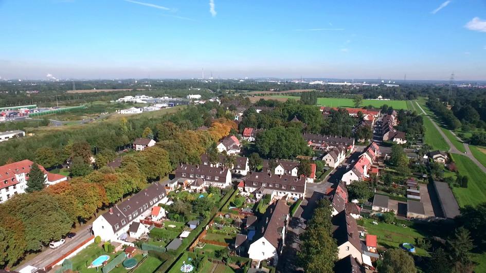 Die Eisenbahnsiedlung von Duisburg ist eine Arbeitersiedlung mit einer über 100-jährigen Tradition am Stadtrand der Ruhrgebietsmetropole.