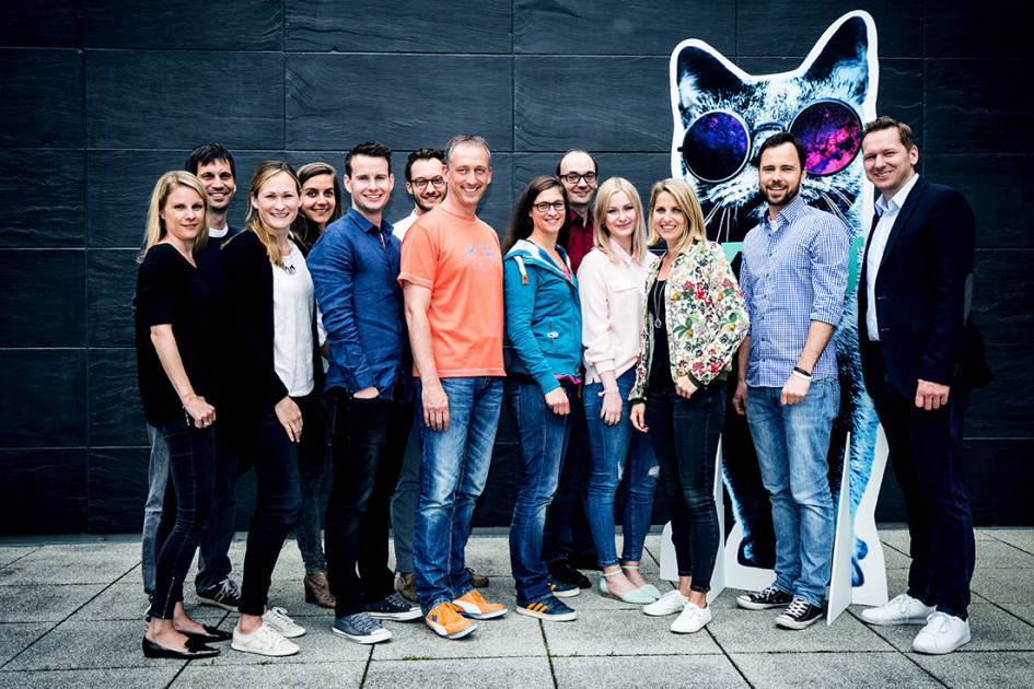 Projektteam RTL II YOU (von links): Katja Kämpgen (Recht), Markus Minnameier (IT & Broadcast), Lisa Christeleit (Programmkommunikation), Nadja Raoufi (Programmeinkauf & New Channel Development), Stefan Fuchshuber (Digital Direktion), Gerhard Putz (Docutainment), Reinhard Görtner (IT & Broadcast), Barbara Dander (Digital Content & Products), Christian Andre (Digital Projects & Production), Nora Strank (Personal), Barbara Renner (Media Sales), Mark Kanne (Digital Direktion), Christian Nienaber (Digital Direktion)