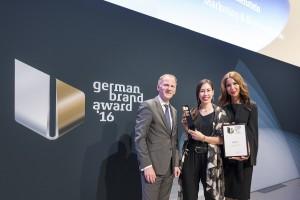 (v.l.n.r.) Christian Rummel (Deputy Global Head of Brand Communications & CSR, Deutsche Bank AG), Nora Fleckstein (RTL II) und Dr. Saskia Diehl (Geschäftsführerin GMK Markenberatung)