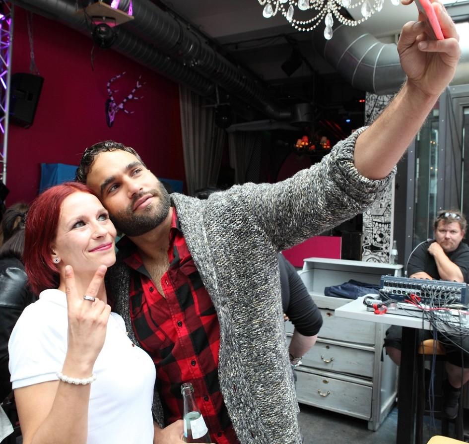 Selfie mit Schwarm Diego