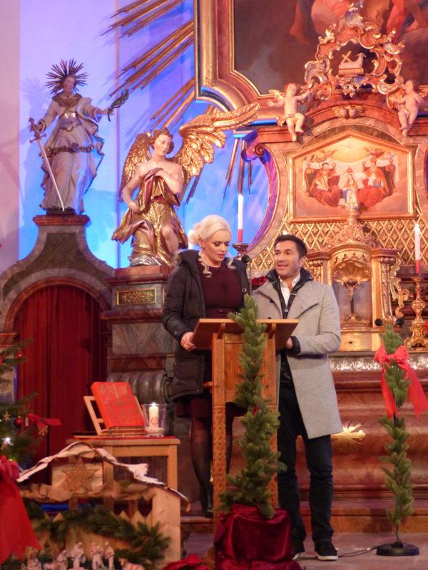 Kirchgänger Daniela und Lucas