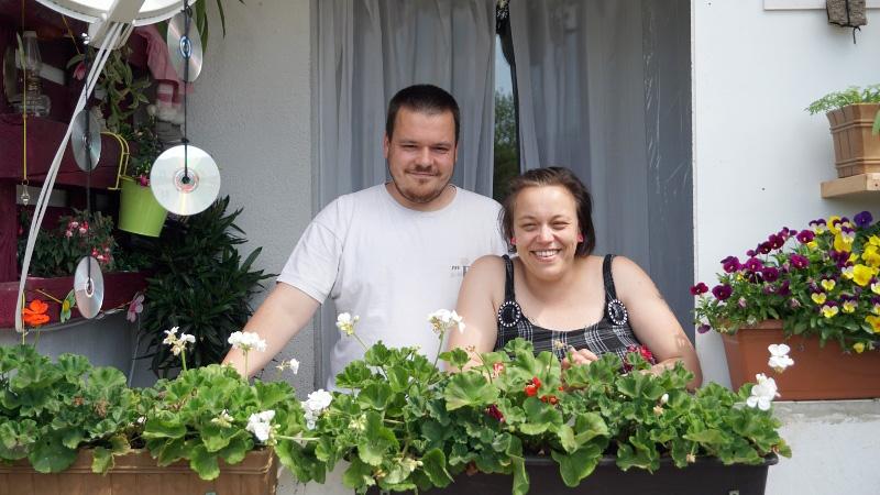 Zwei Bewohner von Wolfen: Yvonne und Pascal