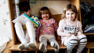 Die Sozialreportage gibt Kinderarmut ein Gesicht. (Foto: Kinder einer Familie in Leipzig)