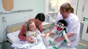 RTL2_dr-dago-2-anastasia-lernt-dr-dago-kennen