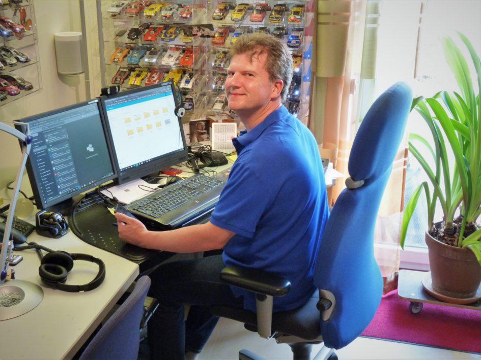 Das Office von Dirk Kolditz, Leiter Technology Operations, ist mobil wie wenige andere. Auch daheim agiert er mal am Schreibtisch, ...