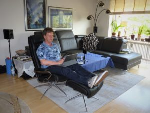 ... oder entspannt im Wohnzimmer.