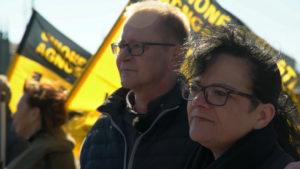 Bernd (links) fordert Gerechtigkeit.