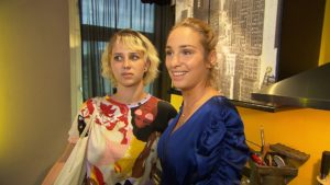 BTN-Charakter Milla (rechts) mit Tochter Amelie