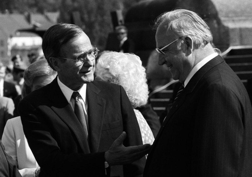 Ex-US-Präsident George Bush sen. und Bundeskanzler Helmut Kohl.
